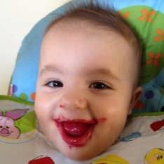 Pratinho saudável, criança feliz