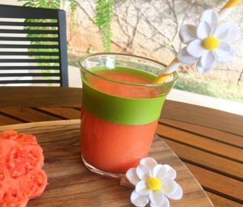 Suco de goiaba com laranja
