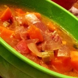 Sopa de batata-doce alaranjada